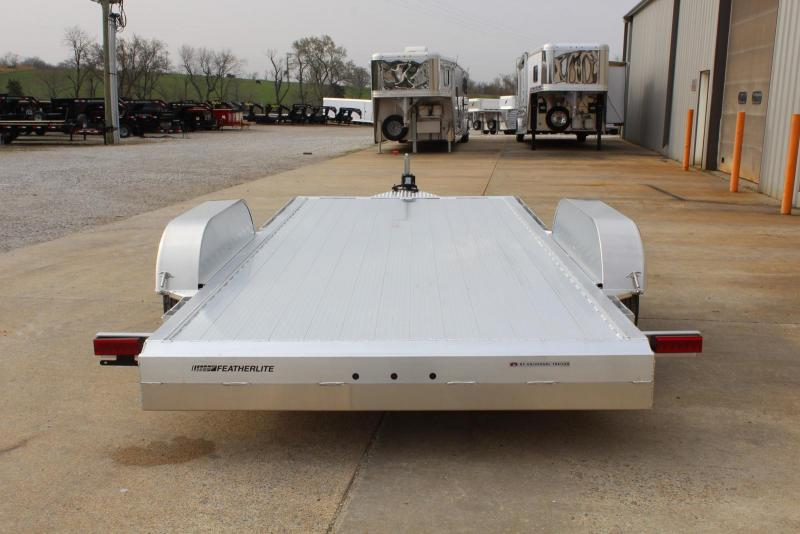 2020 Featherlite 3182-0016 Car / Racing Trailer