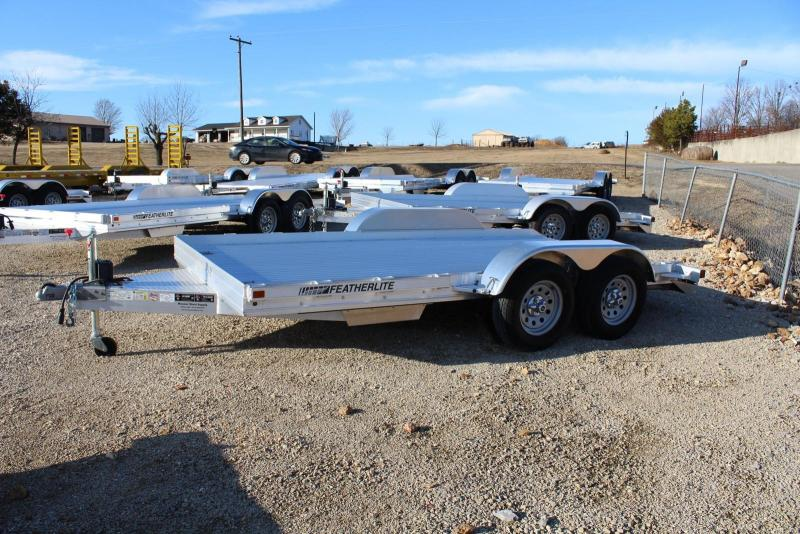 2017 Featherlite 3110-0014 Car / Racing Trailer