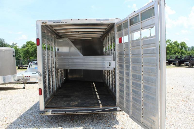 2011 Featherlite 8417 20' Stock Combo Horse Trailer