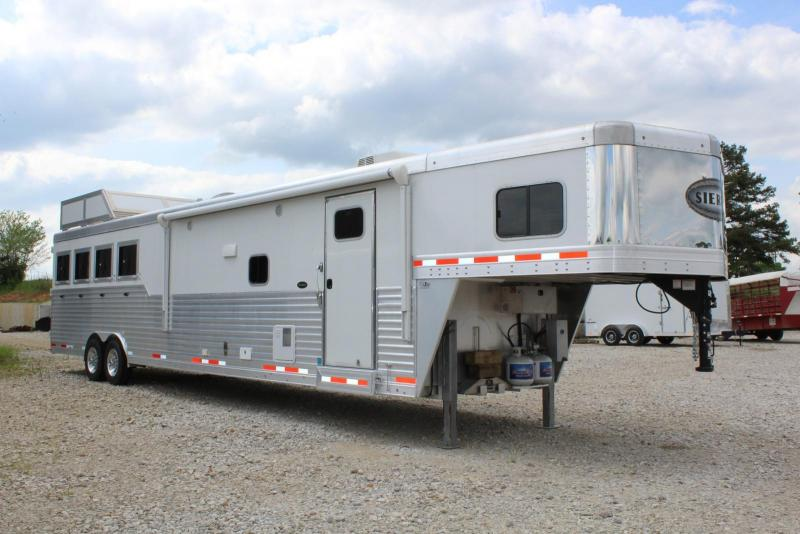 2017 Sierra 4 Horse Trailer in Ashburn, VA