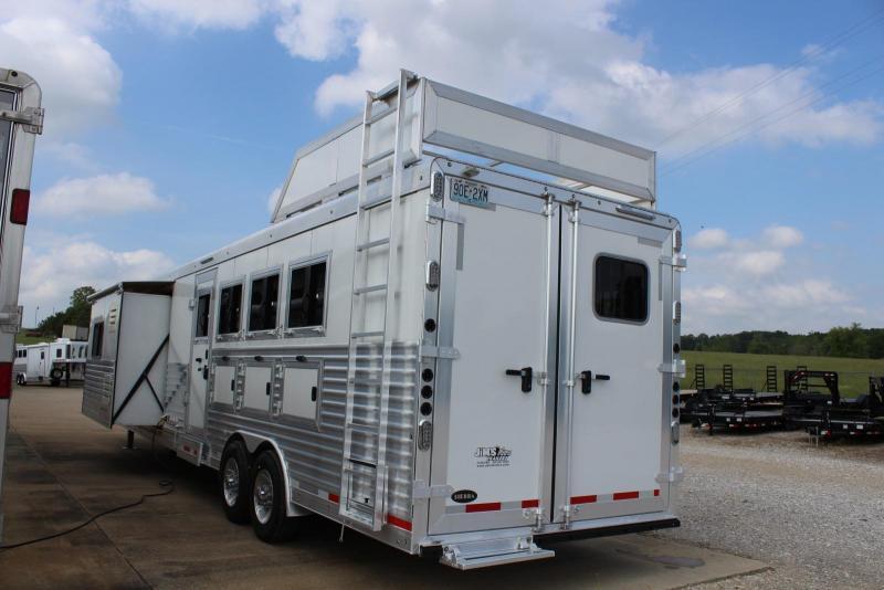 2017 Sierra 4 Horse Trailer