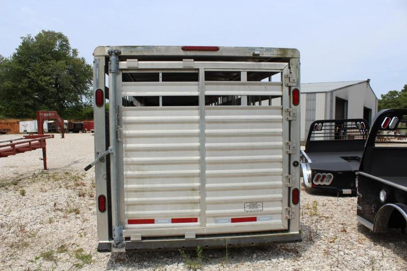 2008 Featherlite 8120-7030 Livestock Trailer