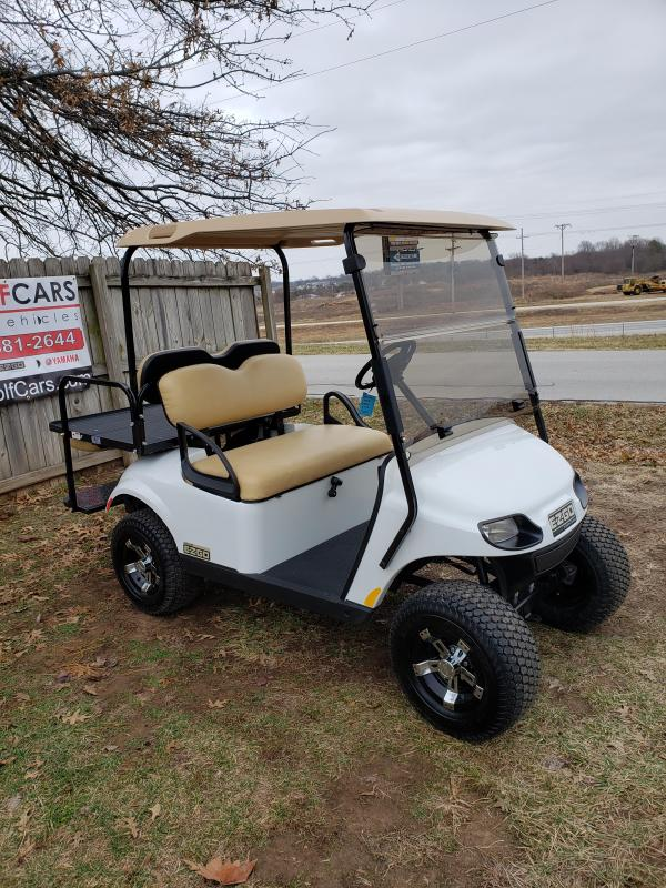 2019 VALOR-4 PASSENGER-BRIGHT WHITE (GAS)