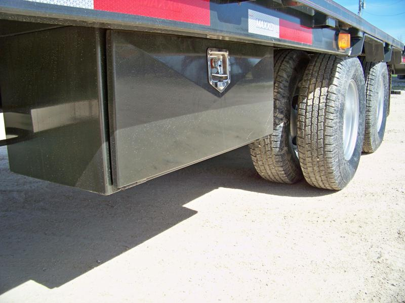 2018 Maxey YDX 32 Hydraulic Dovetail Flatbed Trailer
