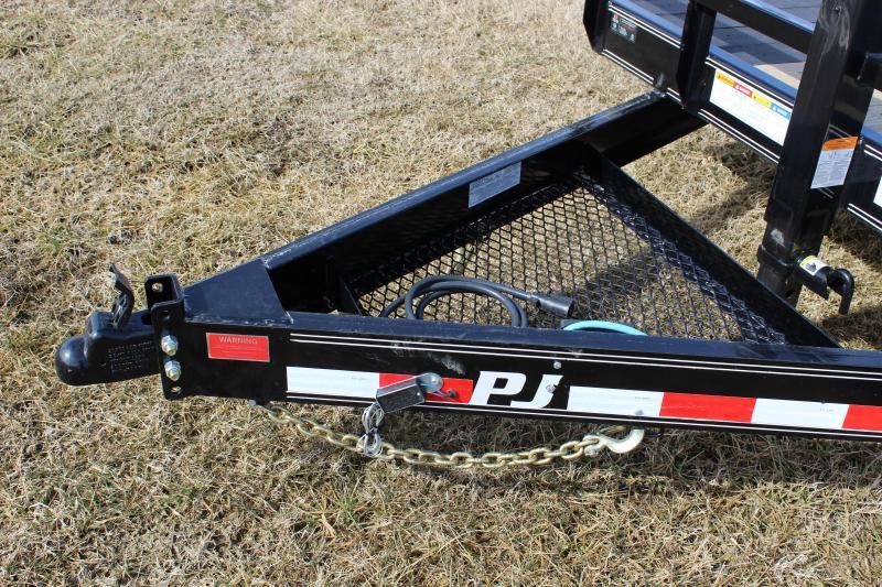 2019 PJ Trailers T6 22' Tilt Equipment Trailer