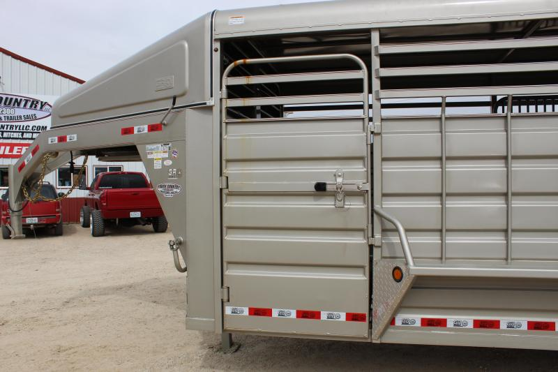 2019 GR Trailers 6.8x24 gooseneck Livestock Trailer