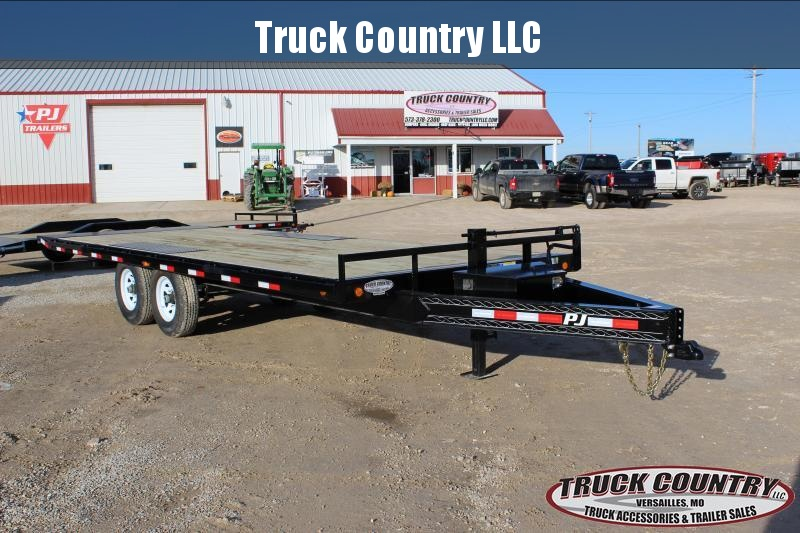 2019 PJ Trailers T8 22' tilt Equipment Trailer