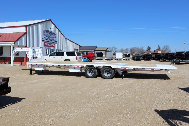 2019 PJ Trailers LY 32' Gooseneck Hydraulic Dovetail Flatbed Trailer