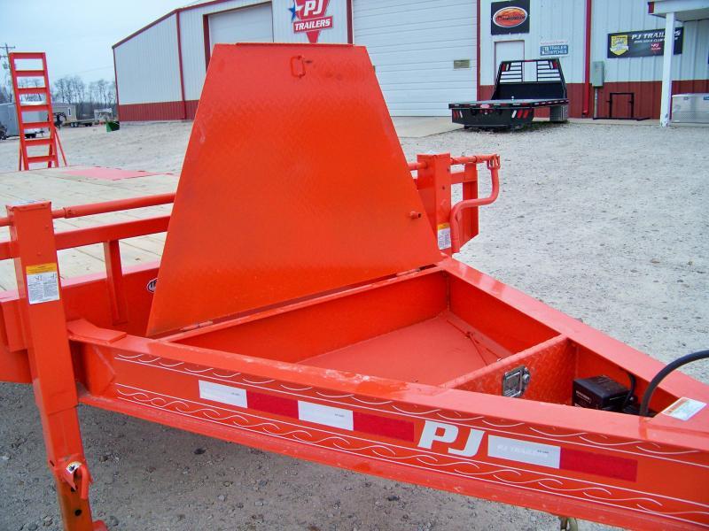 2018 PJ Trailers F8 22' orange Equipment Trailer