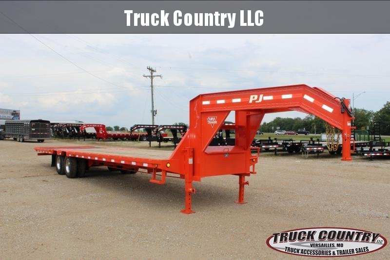 2019 PJ Trailers LY 34' Hydraulic Dovetail gooseneck Flatbed  in Ashburn, VA