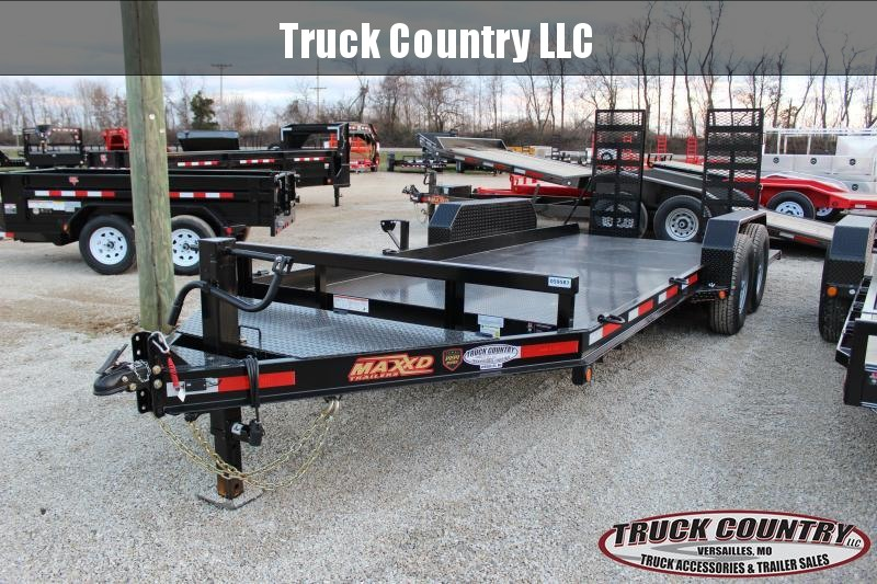 "2019 MAXXD B6X 81""x18' Equipment Trailer"