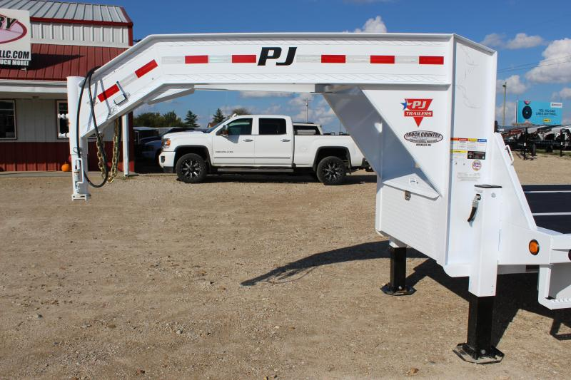 2019 PJ Trailers LY 32 Hydraulic Dovetail Flatbed Trailer