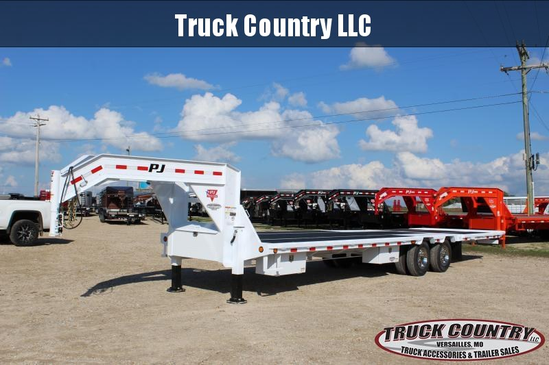 2019 PJ Trailers LY 32 Hydraulic Dovetail Flatbed Trailer in Ashburn, VA