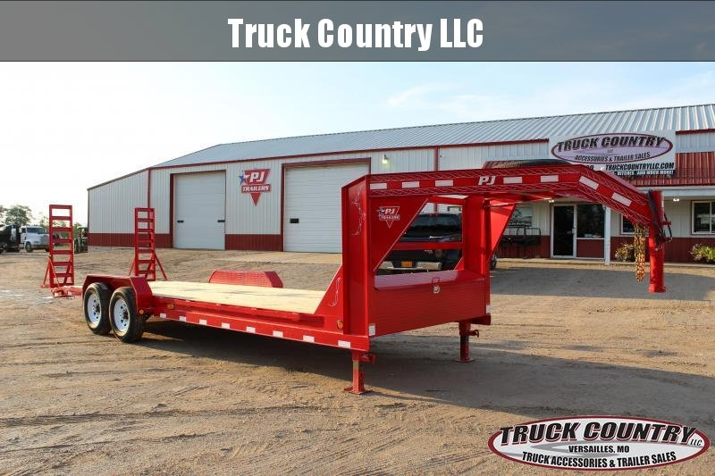 2019 PJ Trailers CC 24' gooseneck Equipment Trailer