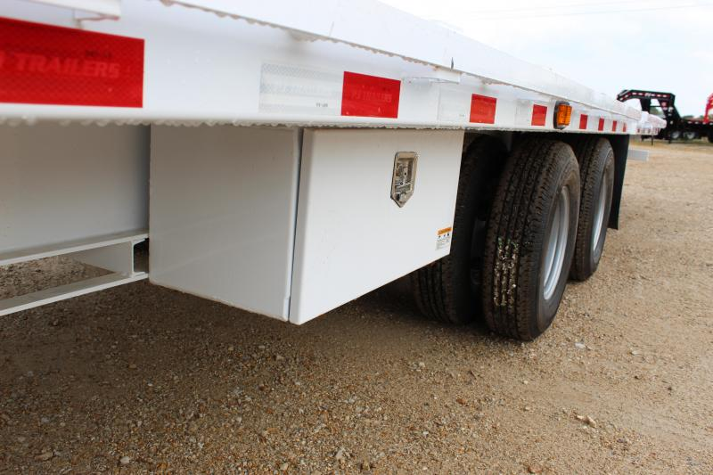 2019 PJ Trailers FY 32 Hydraulic dovetail Flatbed Trailer