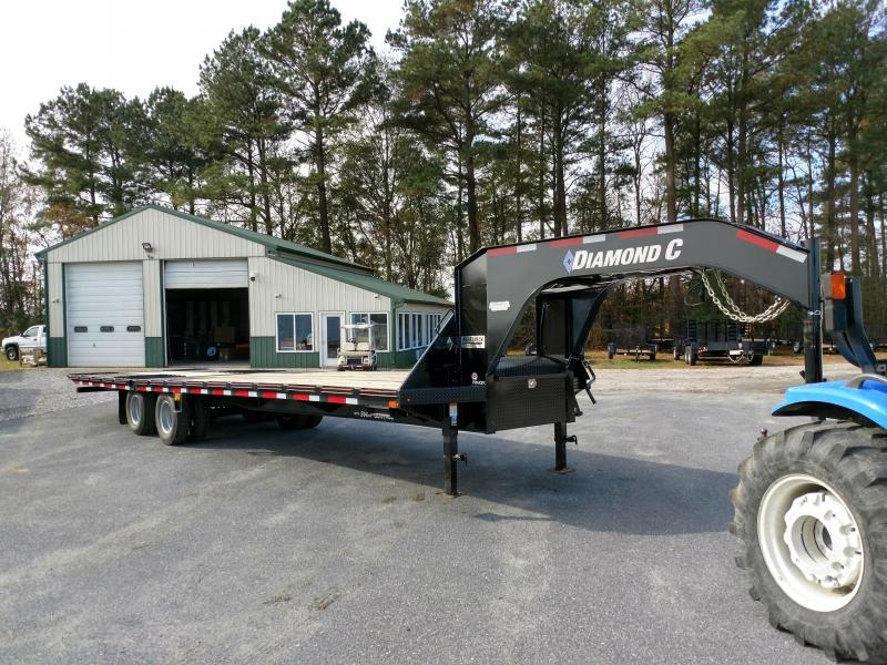 2019 Diamond C Trailers FMAX210 Equipment Trailer