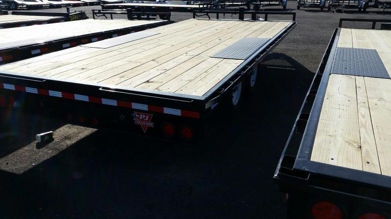 2019 PJ Trailers 8 in. I-Beam Deckover (F8) Flatbed Trailer