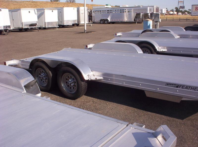 2018 Featherlite 3110 Car / Racing Trailer