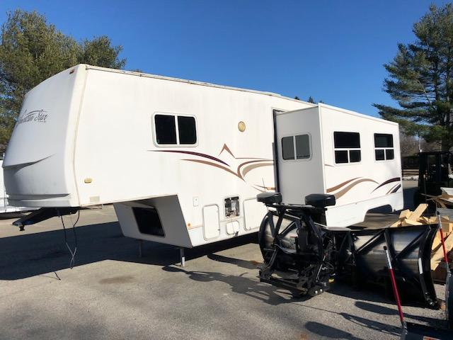 2003 Newmar Corp. Camper- 5th Wheel