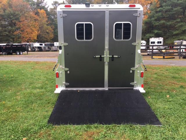 2018 4star Reverse Slant 2 Horse Bumper Pull