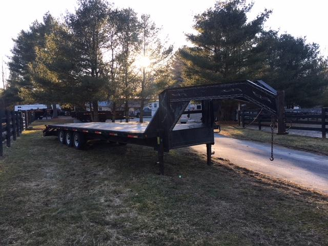 1998 Load Trail 30 Ft. Gooseneck Flatbed