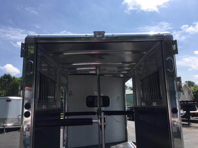 2019 Sundowner Charter 2 Horse Bp Tr Se With Side Ramp