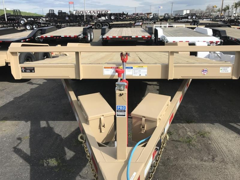 2019 PJ Trailers 20X83 Hydraulic Quick Tilt (TH) Equipment Trailer