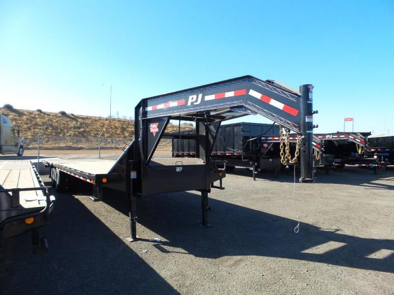 2019 PJ Trailers 36' LOW PRO w/Hydraulic Dove
