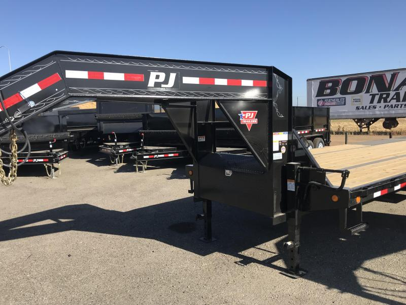 2019 PJ Trailers 32' Low-Pro w/Hydraulic Dove
