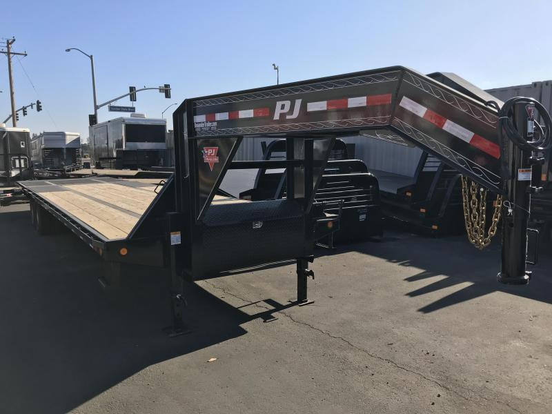 2019 PJ Trailers 34' Low-Pro w/Hydraulic Dove