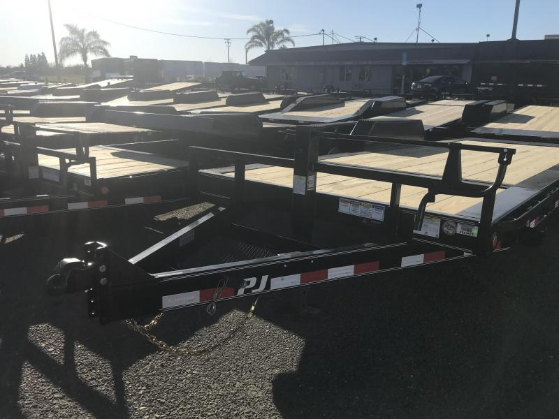 2019 PJ Trailers 20' HD Equipment Tilt 6 in. Channel (TJ) Equipment Trailer