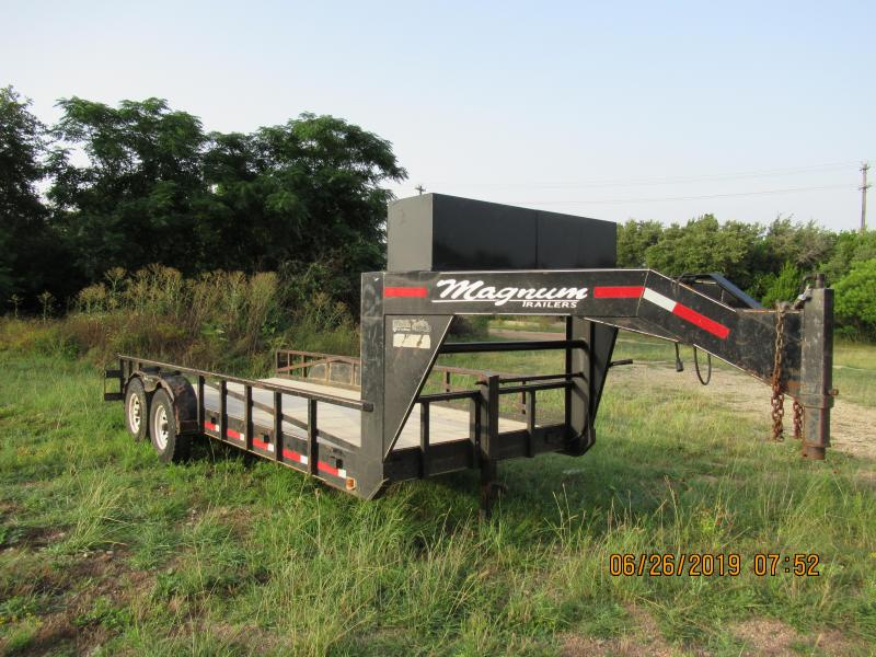 2004 Magnum 20x83.5HDLBGN Equipment Trailer
