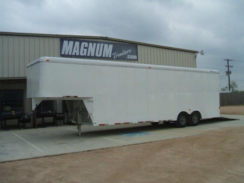 2008 CM ME7 Enclosed Cargo Trailer