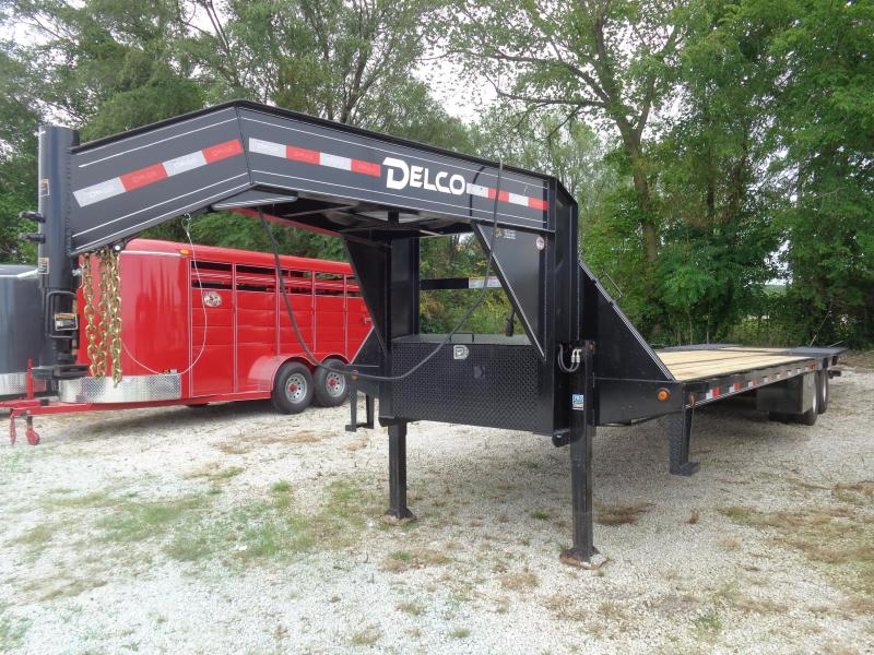 Delco 102 x 34' Gooseneck Hydraulic Dovetail Hydraulic Jacks in Lowell, AR