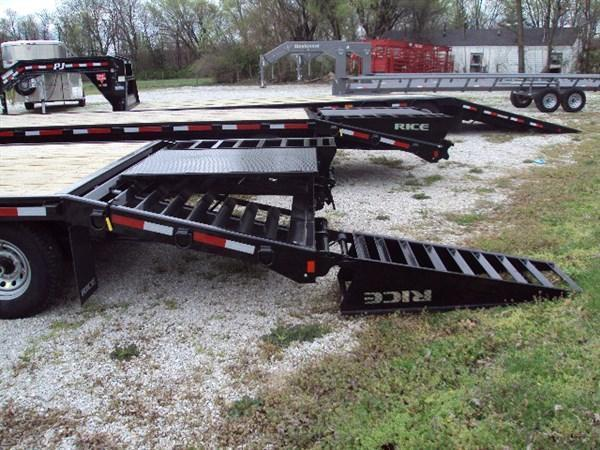 Rice 102 x 20'+5' 14000# Gooseneck Deckover W/ 2 Fold Over Ramps & Center Pop-Up