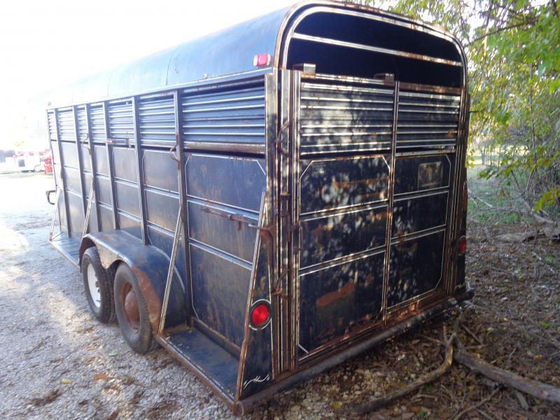USED 1990 Pony Express 16' x 6' Gooseneck Livestock Trailer