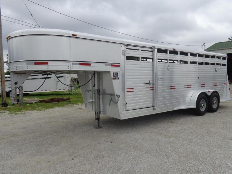 USED 2017 W-W 20 x 7 Bright Line Stockman Livestock Trailer in Ashburn, VA