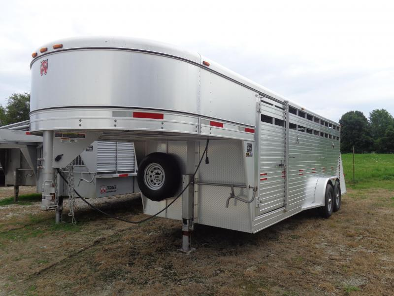 USED 2017 W-W 20' x 7' Aluminum Bright Line Stockman Livestock Trailer