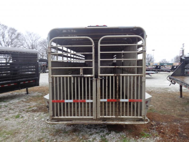 USED 2005 CONT 24' x 6'8 Gooseneck Metal Top Livestock Trailer