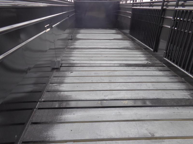 W-W 24 x 6'8 Roustabout Gooseneck Stock Trailer Dark Shadow Gray
