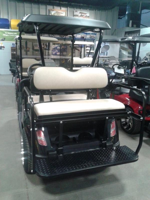 2009 E-Z-GO RXV Golf Cart