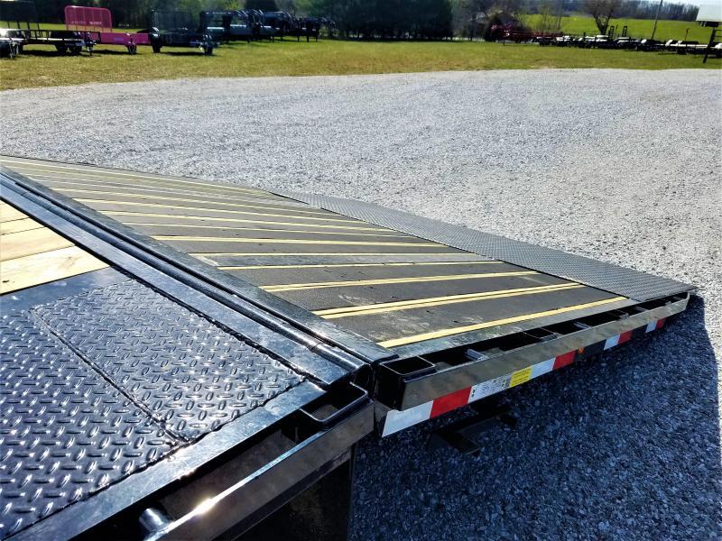 "2018 Load Trail 102"" x 32' Tandem Low-Pro Gooseneck w/Hyd. Dove"