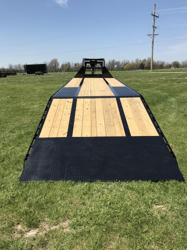 2018 Load Trail 102X32 LOW-PRO GOOSENECK Trailer w/HYDRO TAIL/JACKS