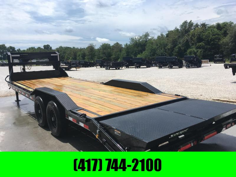 2019 LOAD TRAIL 102X26 TANDEM 14K GOOSENECK CAR HAULER W/MAX RAMPS & DRIVEOVER FENDERS