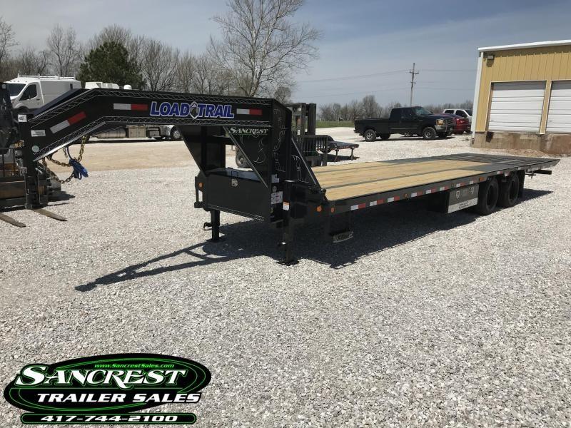2018 Load Trail 102x32 Low-Pro Gooseneck W/Hydro Dove Tail