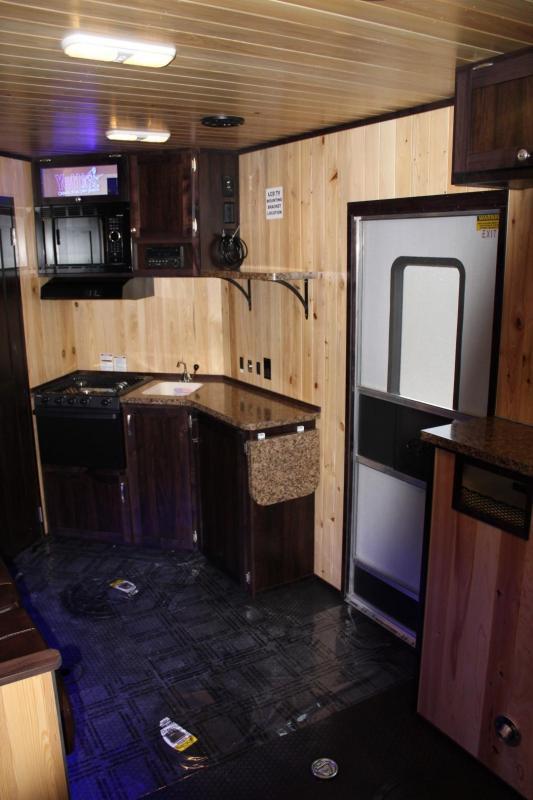2019 Yetti Traxx T816-PK Fish House Toyhauler