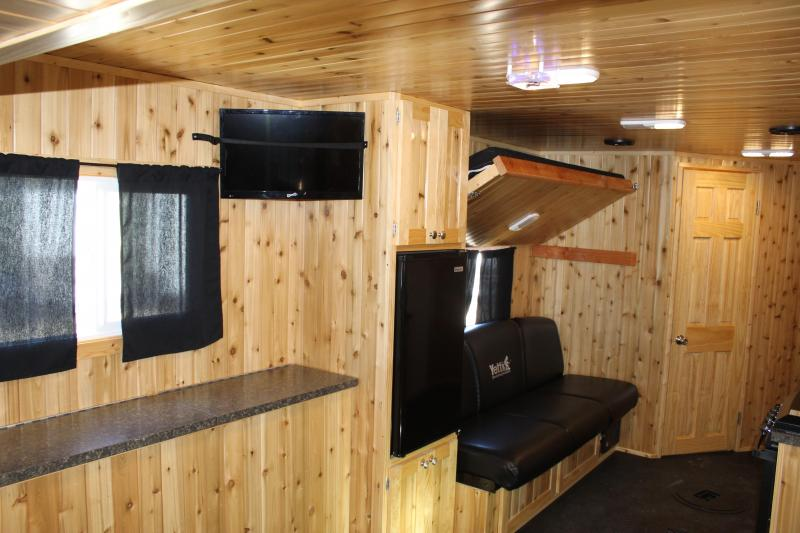 2016 Yetti Legend 8x21 Fish House