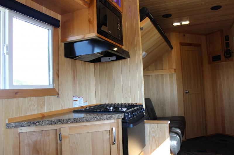 2019 Yetti Angler A616-DRK Fish House