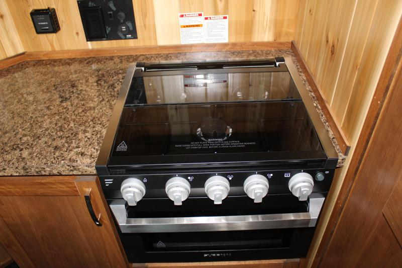 2020 Yetti Traxx T816-DK Toy Hauler Fish House