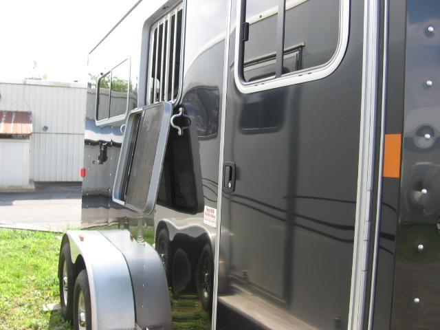 2012 Exiss Trailers 720MG Horse Trailer